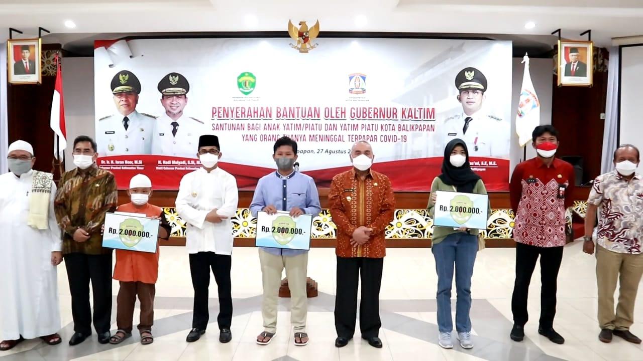 Penyerahan Bantuan Untuk Anak Yatim Piatu Korban Covid-19 di Balikpapan